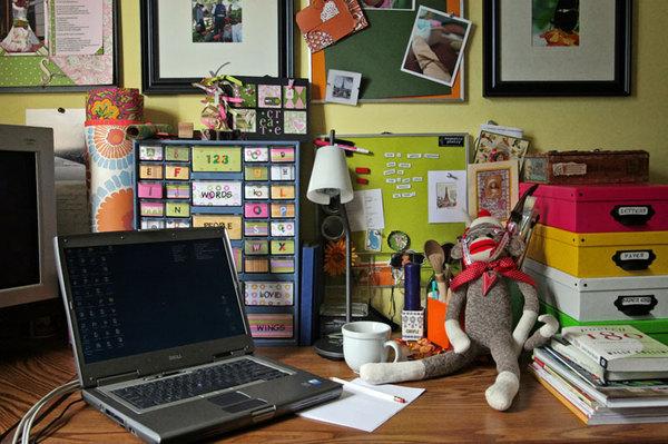 Desk_workspace